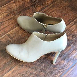 Ann Taylor low ankle booties